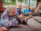 'Luchtbuks' Ria (97) schiet voor de 81ste keer op de Tilburgse kermis