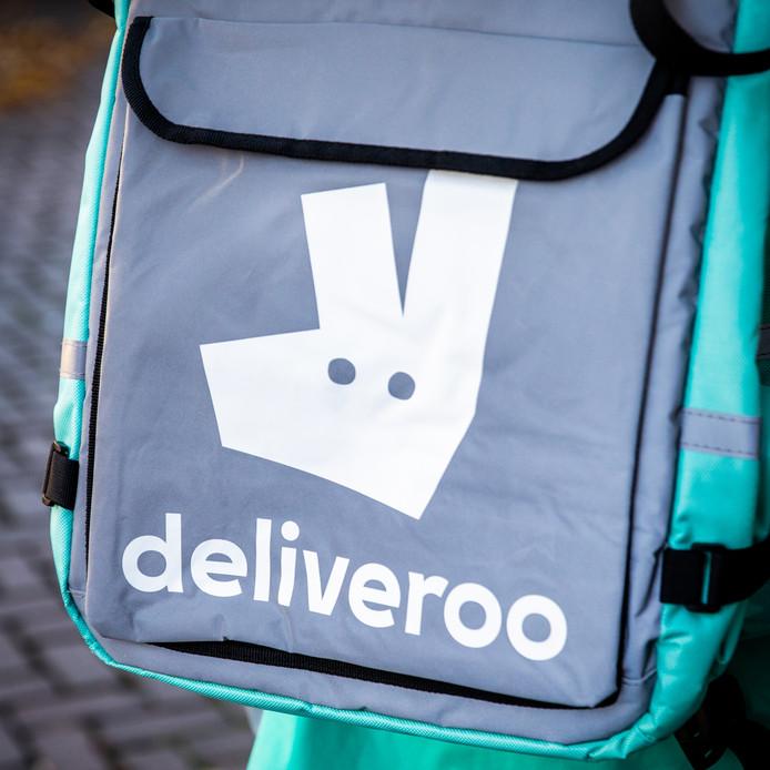 Hoewel Thuisbezorgd marktleider is, timmert het Britse bedrijf Deliveroo sinds 2016 hard aan de weg om haar positie op de Nederlandse markt te vergroten.