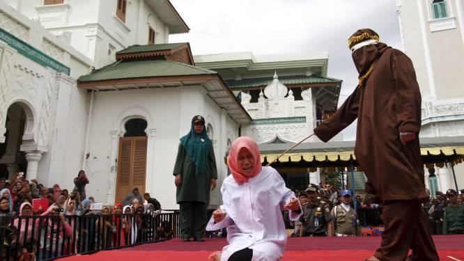 Indonesische vrouw krijgt zweepslagen omdat ze seks had voor het huwelijk