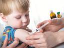 Vaccinatie bij een kleuter. Foto ter illustratie.