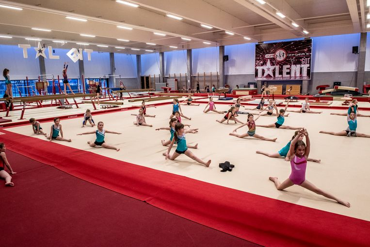 Gym Izegem kent een bloeiende werking , met zevenhonderd leden.