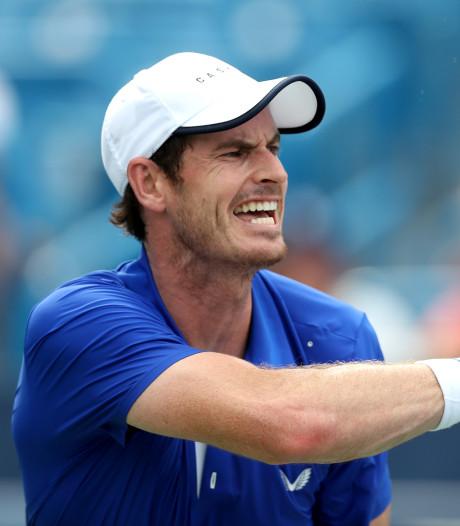 Andy Murray buigt voor jongere Murray: 'Het was een beetje raar'