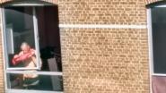 Kessel-Lo in de ban van agressieve kraker: Man gooit met regelmaat van de klok ramen stuk en houdt buurt wakker met zijn geroep en getier