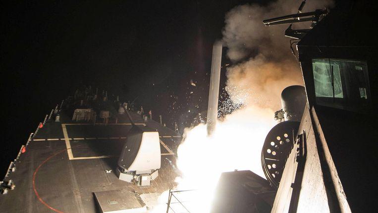 De USS Ross van waar afgelopen nacht Tomahawk-raketten werden afgevuurd op een Syrische legerbasis. Beeld reuters