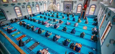 Turkse moskeeën in Oost-Nederland volgen radicaal besluit: 'De hele maand oktober geen vrijdaggebed'