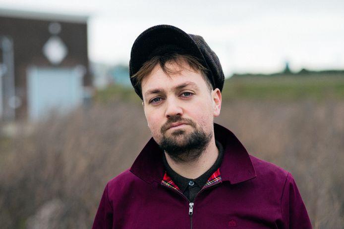 Tim Knol treedt op in Roepaen in Ottersum