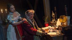 Zien: een eerste mysterieuze blik achter de schermen bij 'Scrooge' de musical