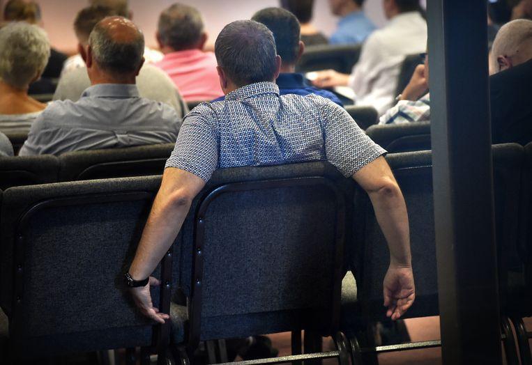 Eerder dit jaar wonen (oud-)medewerkers van Defensie een bijeenkomst bij waarin zij worden geïnformeerd over de gevaren en gevolgen van Chroom-6 (juni 2018).  Beeld null