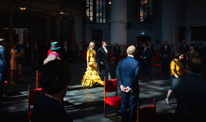 Koning Willem Alexander en Koningin Maxima arriveren in de Grote Kerk voor aanvang van de Troonrede.