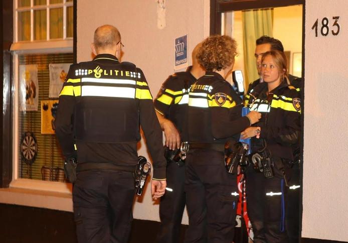 Douane en politie vielen het pand binnen.