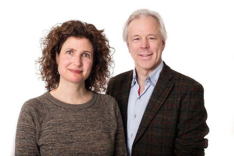 Jutka Halberstadt, psycholoog en universitair docent kinderobesitas bij de VU en Jaap Seidell, hoogleraar voeding en gezondheid bij de VU Amsterdam. Beeld Maarten Steenvoort