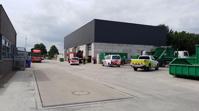Bij een bedrijfsongeval in Wijchen kwam een 18-jarige om.