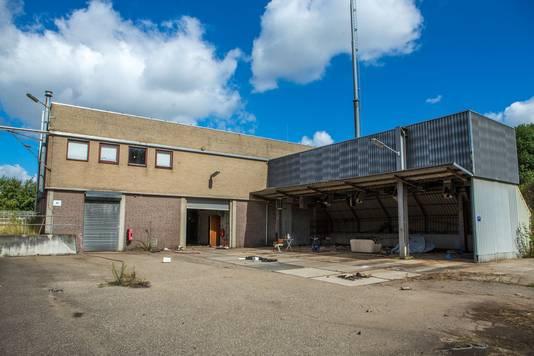 Het pand van de waterzuiveringsinstallatie in Weurt.