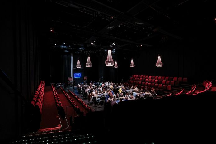 2018: een pokertoernooi in de Doetinchemse schouwburg Amphion.