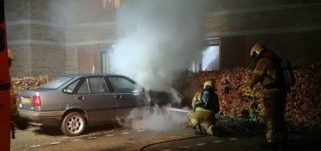 Auto vat vlam in Lochem