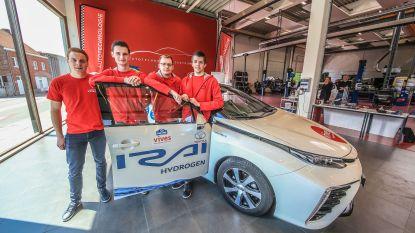 Vives-studenten rijden in 24 uur zo ver mogelijk op waterstof
