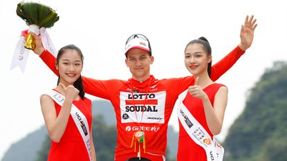 Tim Wellens slaat dubbelslag in Tour of Guangxi: ritzege en leiderstrui