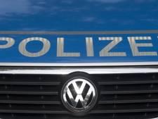 Mannen met maskers beroven tienermeisjes voor deur internaat in Duitse Borken
