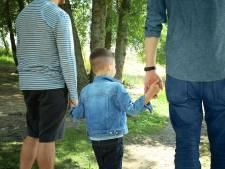 Franse homo's krijgen 'probleemkinderen' bij adoptie