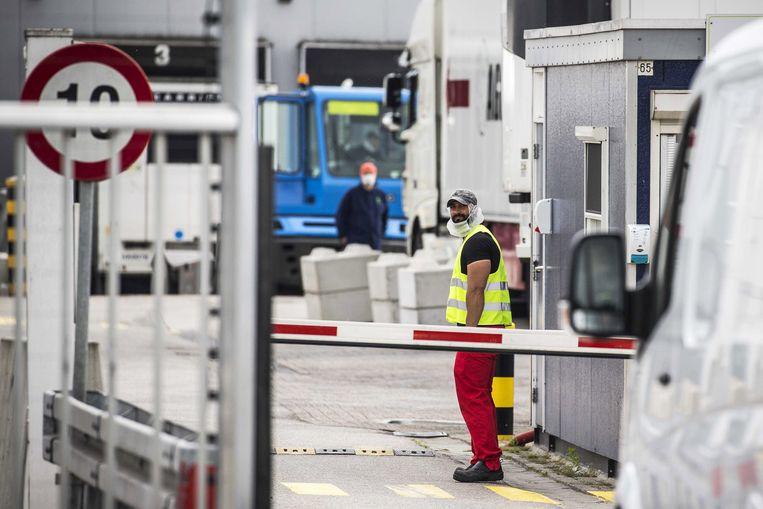 Van de 657 medewerkers van de productielocatie in Groenlo zijn er 147 positief getest op corona. Beeld EPA