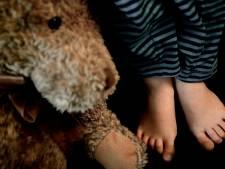 Zeer jong kind in kritieke toestand bij incident in woning Noord-Holland, politie doet onderzoek