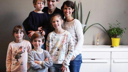 Sieg De Doncker helpt groot gezin verhuizen