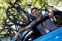 Team Sky ploegleider Servais Knaven voor aanvang van de vijfde etappe van de 105e editie van de Ronde van Frankrijk tussen Lorient en Quimper.