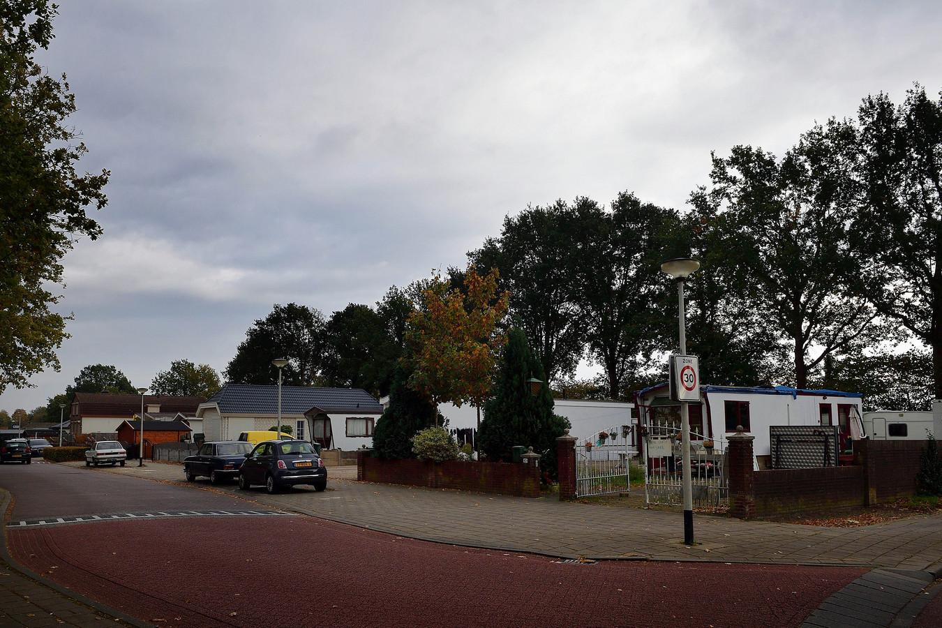 Het kamp aan de Sportstraat is één van de locaties waar extra woonwagens moeten komen te staan: twee stuks.