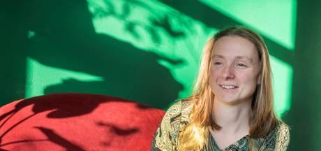 Marjolein Pieks: 'Toon ballen, beloon de dorpsdichter'