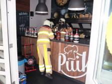 Personeel grijpt in bij brand in snackbar in Ommen en voorkomt erger