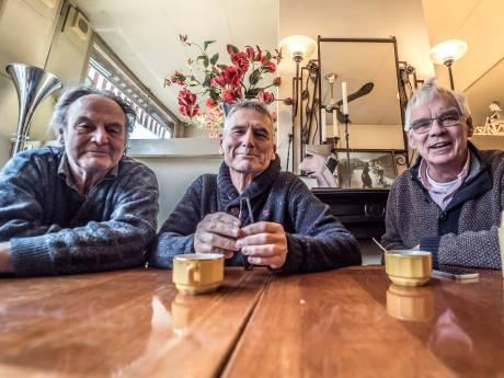 Gepensioneerde huisartsen beginnen café voor depressieve Delftenaren: 'We zijn elkaar kwijtgeraakt'