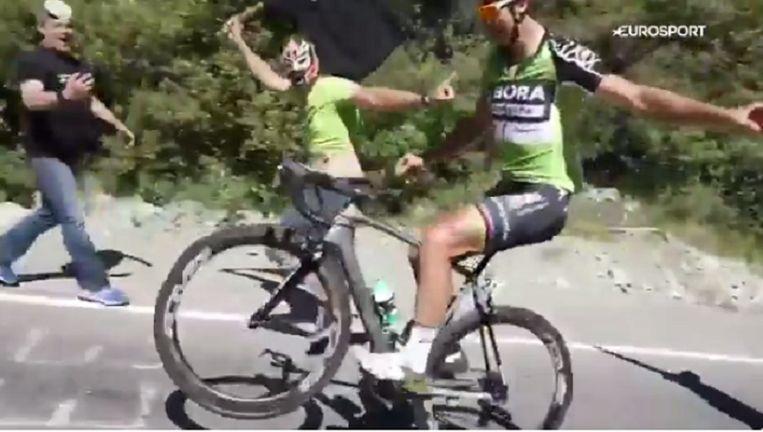 Een wheelie zonder handen? Geen probleem voor Sagan.