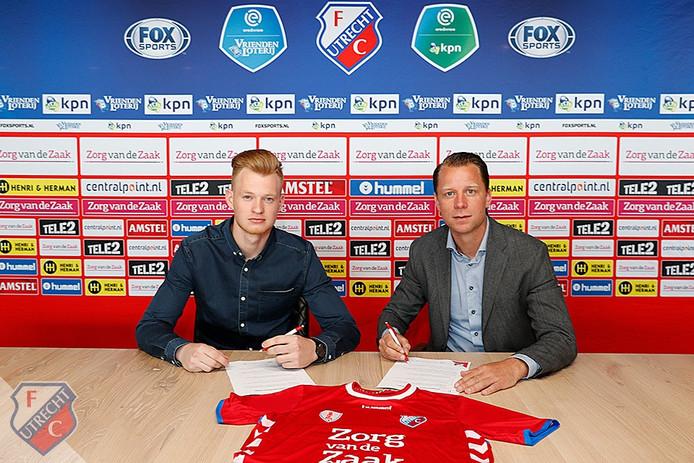 Jonas Arweiler met directeur voetbalzaken Jordy Zuidam