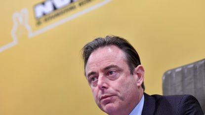 """Politicoloog Sinardet ziet in beslissing De Wever """"beetje kiezersbedrog naar Antwerpse kiezer"""""""
