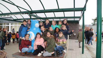 Blauwe beer Warme William biedt Putse leerlingen een luisterend oor