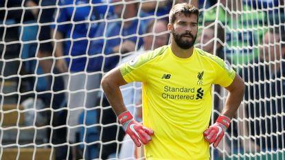 Liverpool-doelman van 62,5 miljoen euro gaat gruwelijk de mist in. Dat ziet ook tweede doelman Mignolet
