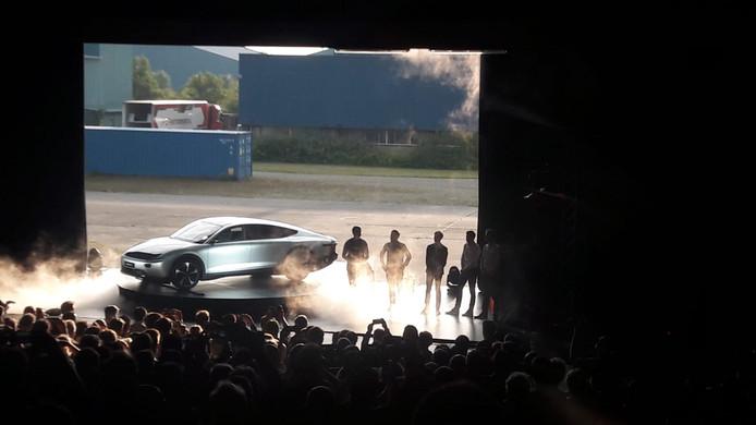 De nieuwste zonne-auto van Lightyear onthuld in Katwijk.