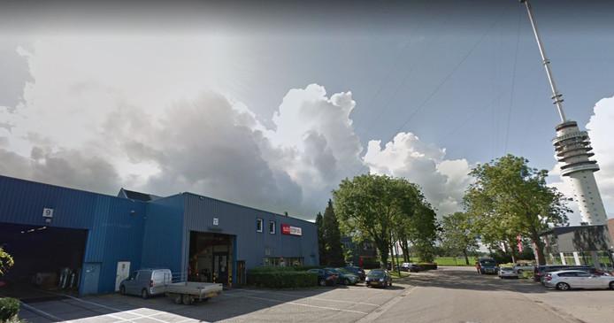 Bij metaalbedrijf SAB in IJsselstein leggen de werknemers morgen het werk neer.