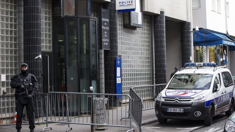 Archieffoto: Franse politieagent in Parijs. Beeld epa