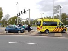 Automobiliste gewond bij ongeluk in Arnhem