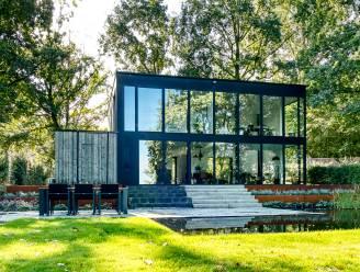 """Binnenkijken in een gerenoveerde chalet in de Vlaamse Ardennen: """"Het huis stelde niets voor, maar dat uitzicht!"""""""