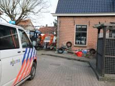 Man (44), vrouw (45) en jongen (15) aangehouden voor drugs- en wapenbezit in Werkendam