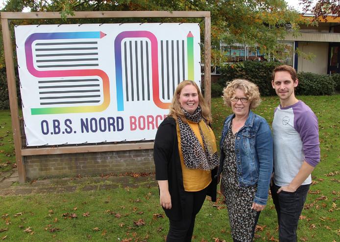 Monique Weging (l), Anita Bekers en Sten Geerdink van OBS Noord, winnaars van Oponoa's innovatieprijs 2019.