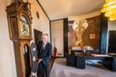 TT-2019-011977-Enschede Verboden Toegang - kijkje in kamer burgemeester Onno van Veldhuizen editie:Enschede Foto Reinier van Willigen RWN20190710