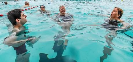 Zo is het om met dit weer te zwemmen in buitenbad De Melanen in Halsteren