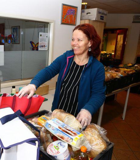 Voedselbank bereidt zich voor op 'explosieve groei' terwijl juist minder producten binnenkomen