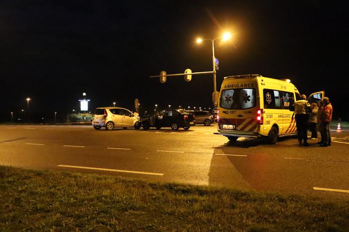 De hulpdiensten ter plaatse bij het ongeval.
