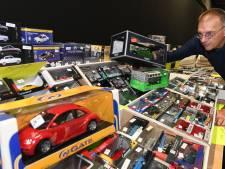 1,3 km aan miniatuurauto's bij verzamelbeurs in Houten