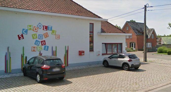 Het Schooltje van de Hei wordt uitgebouwd met een lagere school.