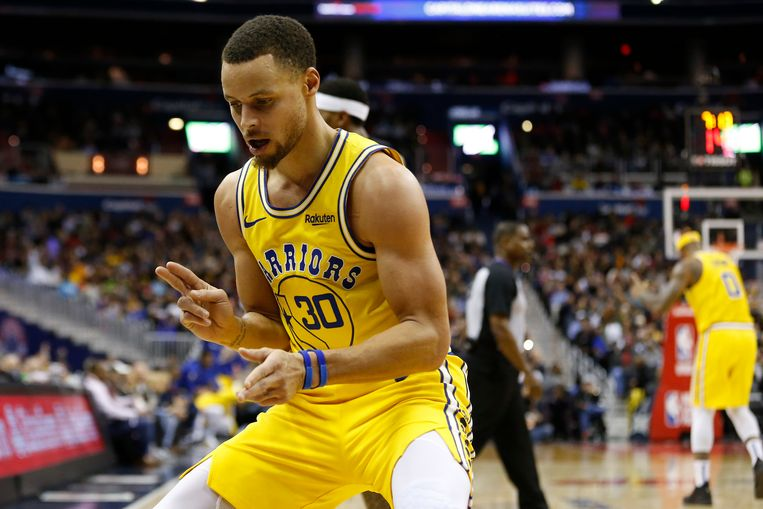 Stephen Curry was goed voor 38 punten bij de Warriors.